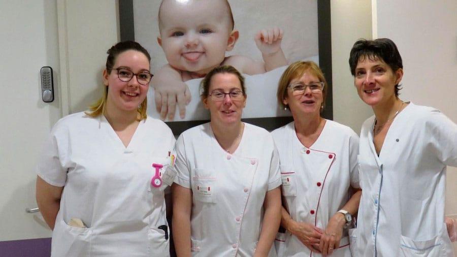 L'équipe de la clinique Mathilde, aux petits soins pour Julia